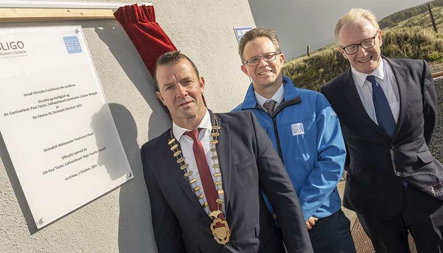 Pictured at the official opening of the Waste water treatment plant Strandhill, Sligo. Pictured at the plaque unveiling by the Cathaoirleach of Sligo County Council. L/R Cathaoirleach of Sligo County Council Cllr Paul Taylor who officially opened the Strandhill waste water treatment plant, Paul Fallon (Irish Water) and Minister Frank Feighan (Minister of State for Department of Health (Public Health, Well Being and National Drugs Policy). Pic: Michael McLaughlin
